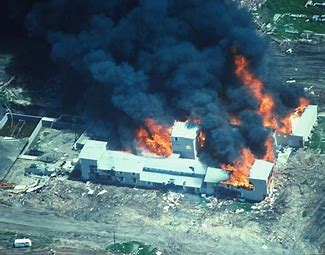 Image of the Branch Davidian on fire.